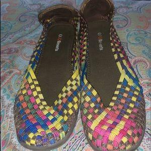 Comfortable woven shoes